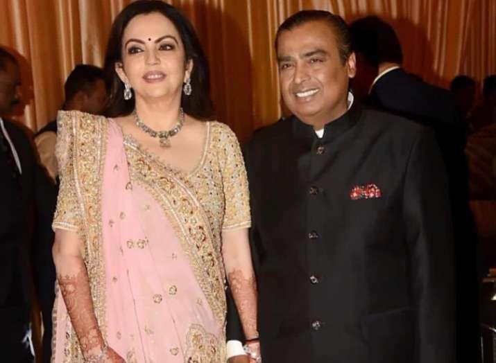 મુકેશ અંબાણીની આ વાત બિલકુલ પસંદ નથી કરતાં તેમનાં પત્ની નીતા અંબાણી, કહ્યું - જ્યારે પણ મોકો મળશે બદલી દઇશ - Adhuri Lagani