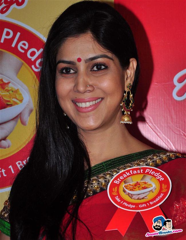 Kellogg Breakfast Pledge Launch -- Sakshi Tanwar Picture # 249244